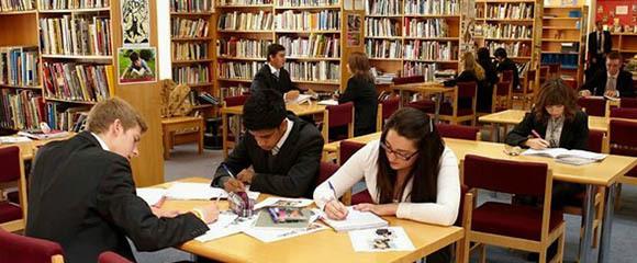 英国高等教育入学